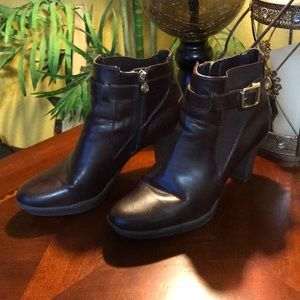 Etienne Aigner Brown Leather Low Ankle Boots